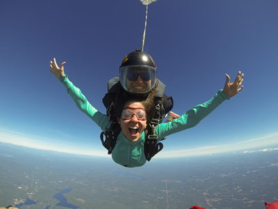 what to wear when skydiving