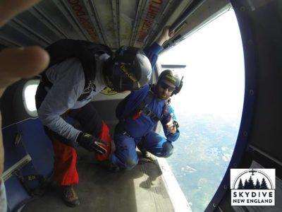 is it hard to breathe while skydiving
